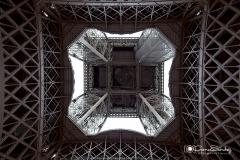 Bajo la Tour Eiffel