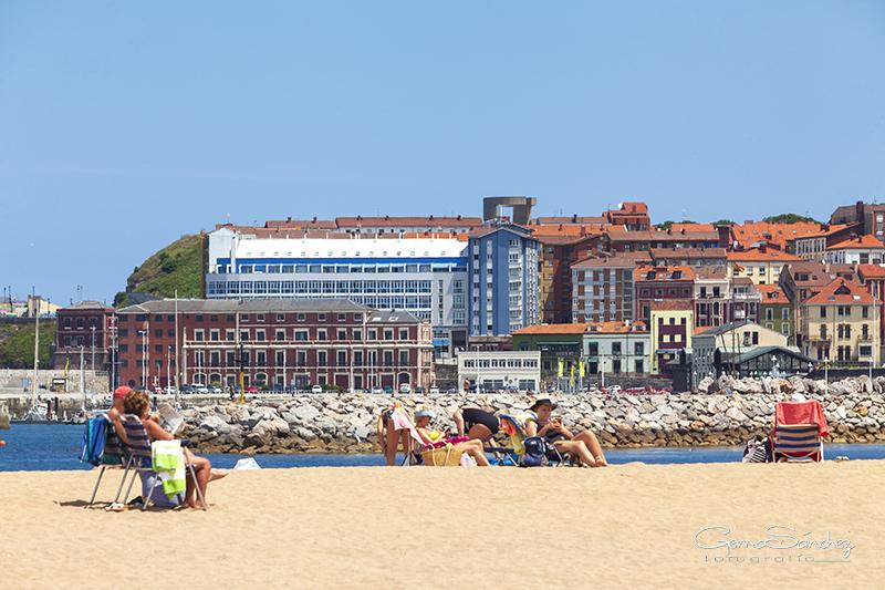 Playa del Poniente Gijón